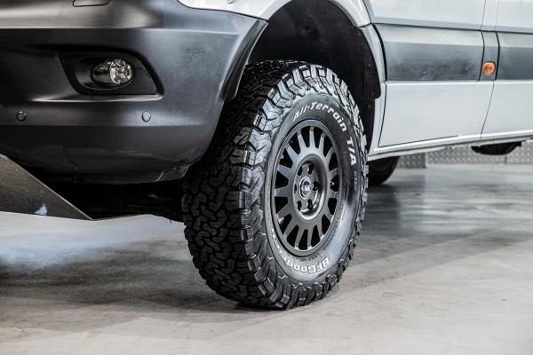 alloy wheel 'F15-Tech' 7x16 off set +48, black Mercedes Sprinter